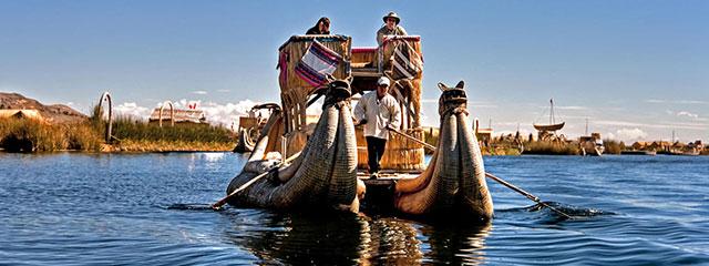 Isla los Uros en el Lago Titicaca